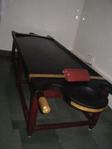Ayurvedische massagetafel